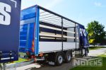902162 schuifzeilopbouw vrachtwagen met laadlift en aluminium zijborden