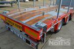 802429 drie assige aanhangwagen met containergeleiding en twistlocks