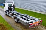 902172 afzetframe op vrachtwagen met inox opbergkoffers
