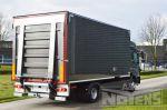 901873 gesloten bakwagen met laadklep