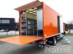 901994 gesloten laadbak met laadlift inrichting schappen