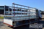 902125 vrachtwagenopbouw open laadvloer schuine glasdrager