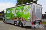 902134 schuifzeilen laadbak met laadlift spoilers onderaan vrachtwagen