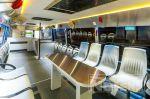 inrichting autobus zitplaatsen verlichting