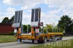 802358 verbredingsborden uitzonderlijk vervoer dieplader aanhangwagen rampen